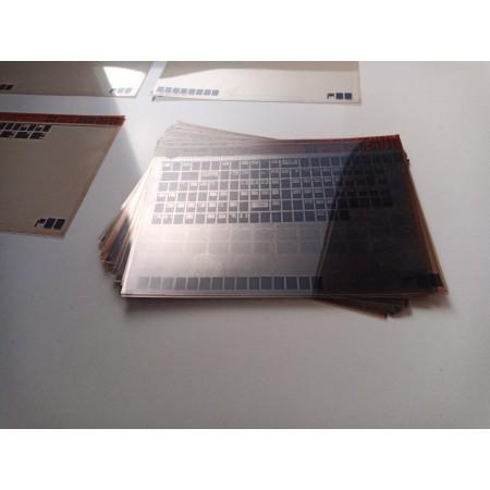 Material de consulta, proyectores, y microfichas.